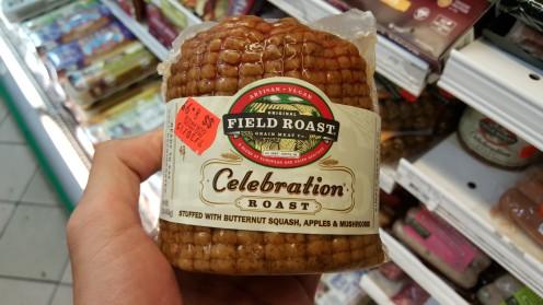 """Esse """"celebration roast"""" é uma espécie de tender vegano, pensado para ocasiões especiais (ou não) e recheado com abóbora, cogumelos e maçã"""