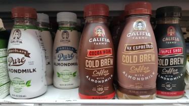 """Cafés gelados e outros tipos de bebida """"láctea"""" vegana no Lifethyme"""